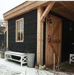 Overkapping in eikenhout met zwart douglas. Kitchen Decor, Garage Doors, Outdoor Decor, Garden, Plants, Home Decor, Homemade Home Decor, Garten, Flora