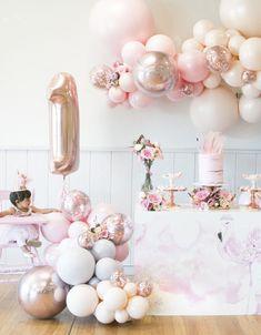 1 Year Old Birthday Party, Ballerina Birthday Parties, 1st Birthday Girls, Birthday Ideas, Special Birthday, 1st Birthday Balloons, Frozen Birthday, Birthday Celebration, Balloon Decorations