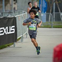 Kids 8 and up can run at LaceUp. Bring the kids to Ventura this Saturday. #lexuslaceup #werunsocal