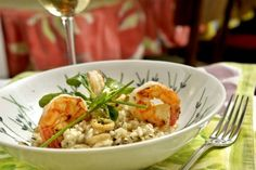 Receita de risoto de camarão, lula, limão siciliano e mâche