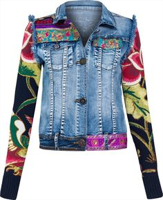 A great inspiration for refashioning a denim jacket. Floral Jeans, Floral Jacket, Fashion Mode, Denim Fashion, Mode Jeans, Denim Ideas, Recycled Denim, Cotton Jacket, Refashioned Clothes