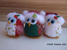 Christmas Owls with Santa Hats Christmas Owls, Felt Christmas Ornaments, Christmas Sewing, Handmade Christmas, Christmas Decorations, Owl Fabric, Fabric Crafts, Sewing Crafts, Sewing Projects