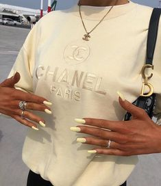 Chanel Paris October 23 2019 at fashion-inspo Outfits Casual, Mode Outfits, Fashion Outfits, Fashion Clothes, Fashion Ideas, Summer Outfits, Fashion Tips, Fashion Hair, Style Clothes