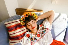 20 People Picked Outfits Inspired By Frida Kahlo And This Is What Happened