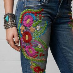 Denim & Supply Ralph Lauren Embroidered Skinny Jean in Blue (Denim) . I made my own pair , in Painted Jeans, Painted Clothes, Hippie Style, My Style, Sixties Fashion, Perfect Jeans, Old Jeans, Embroidered Clothes, Denim And Supply