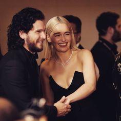 #GameOfThrones Emilia Clarke and Kit Harington
