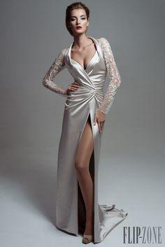"Blanka Matragi ""Return of the Phoenix"", A-H 2015-2016 - Haute couture - http://fr.flip-zone.com/Blanka-Matragi-5958"
