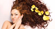 Soluzione all'ananas per le amanti dei capelli ricci e mossi