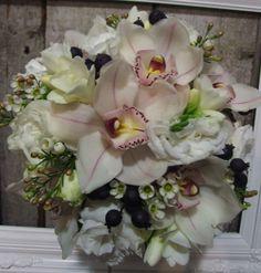 bridesmaids bouquet, cyms, freesia & lisianthus. #bloomful, #wedding