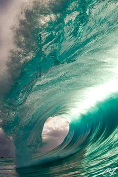 Surfing holidays is a surfing vlog with instructional surf videos, fails and big waves Belle Image Nature, Image Nature Fleurs, Water Waves, Sea Waves, Waves Photography, Nature Photography, Adventure Photography, Photography Ideas, Kitesurfing