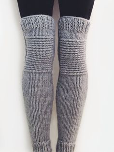 Moto Leg Warmers Pattern by TwoOfWandsShop // knitting pattern for leg wamers motorcycle padded quilted leggings // two of wands Crochet Leg Warmers, Knit Crochet, Boot Cuffs, Knitting Socks, Knit Socks, Knitting Projects, Knitwear, Knitting Patterns, Clothes