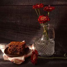 Sexta com bolo de maçã e flores. Pro dia nascer feliz🍎🌺 #bolo #feitopormim #cake #bolobh #igersbolo #igerscake  #cakeoftheday #cakestagram #cakelover #amantesdebolo #feitocomamor #feitocomcarinho #feitoemcasa #cookmagazine #maçã #foodgram #rebzanettimeinspira #foodfotography #cakeoftheday #foodstyling #canela #pormaisdiascombolo #instacake #feedfeed #f52grams #bhdicas #casaecomida #nolactose #semlactose #freelactose #reviewslowliving