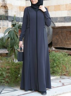Mode Abaya, Mode Hijab, Abaya Designs, Kurta Designs Women, Simple Gown Design, Abaya Fashion, Fashion Dresses, Hijab Style Tutorial, Moslem Fashion
