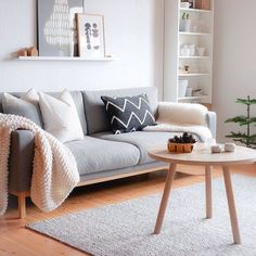 Best and Amazing Small Living Room Design Ideas Beste und Amazing Kleine Wohnzimmer Design Ideen # - Add Modern To Your Life Small Living Room Design, Home Living Room, Apartment Living, Living Room Designs, Living Room Furniture, Small Couches Living Room, Apartment Ideas, Small Living Room Ideas With Tv, Scandi Living Room