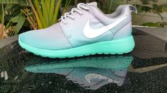 Women Nike shoes,nike free roshe Special price $21 in summer of 2016,get it immediately.