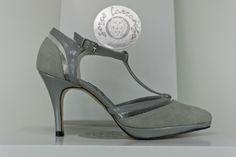 #Zapatos #salones #grises #plataformas #tacones #pieles #antes #charoles #madriles www.jorgelarranaga.com
