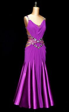 Competitive Ballroom Dancing is a beautiful world of dazzling costumes, gorgeous hairstyles, and perfectly applied makeup designed to capture the spotlight. Latin Ballroom Dresses, Ballroom Costumes, Ballroom Dance Dresses, Ballroom Dancing, Dance Costumes, Latin Dresses, Salsa Dress, Dance Fashion, Dance Outfits