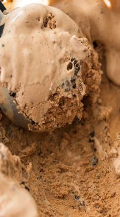 chocolate cookies and cream ice cream