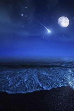 Tranquil ocean at night against starry sky, moon and falling meteorite by Evgeny Kuklev/Stocktrek Images Beautiful Moon, Beautiful World, Beautiful Beaches, Ciel Nocturne, Moonlight Photography, Ocean At Night, Beach At Night, Shoot The Moon, Moon Pictures