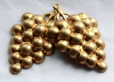 4 Vintage 1960s Brass Bunch of Grapes Stampings // 1950s Novelty Garden
