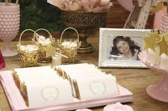 Princess lover in your home? Don't miss this Princess Aurora + Sleeping Beauty Birthday Party here at Kara's Party Ideas. Kid Parties, Baby Shower Parties, Holiday Parties, Birthday Parties, Sleeping Beauty Party, Aurora Sleeping Beauty, Disney Birthday, Girl Birthday, Princess Aurora Party
