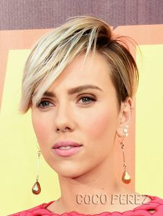 Scarlett Johansson Shows Off Her Sexy Post-Baby Body In A Fitted Jumpsuit At The MTV Movie Awards! | CocoPerez.com