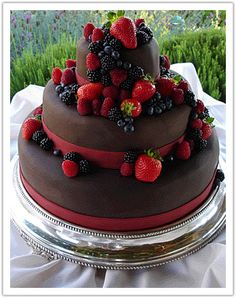 Top Fruit Wedding Cakes with chocolate
