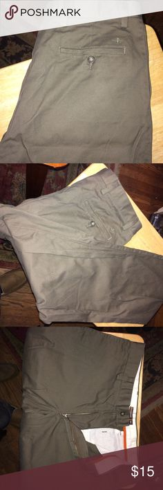 Docker's Dress Pants Previously loved pair of perfect conditioned pants. Dockers Pants Chinos & Khakis