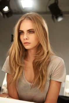 Are you fan of Cara Delevingne? Would you want to look like to her? Here are 20 gorgeous Cara Delevingne's long hairstyles. Hair Styles 2014, Long Hair Styles, Dip Dye Hair, Dip Dyed, Bold Brows, Dark Brows, Dark Eyes, Thick Eyebrows, Light Hair Dark Eyebrows