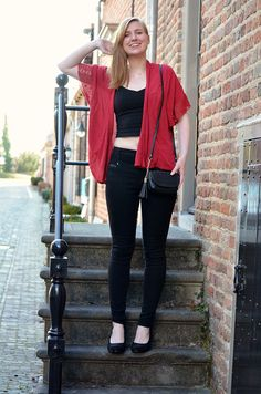 Crop top with high waisted jeans