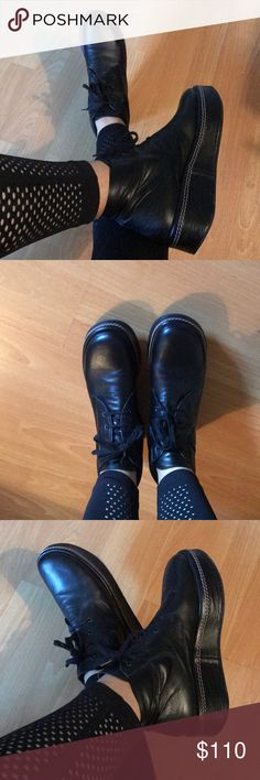 Robert Clergerie platform ankle leather boots 9 Super comfortable Robert Clergerie ankle leather boots size 9 good preowned condition Robert Clergerie Shoes Ankle Boots & Booties