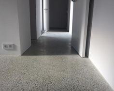 Gepolijste beton, afgewerkt tot half glans.