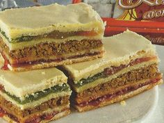 Prajitura cu rahat Romanian Desserts, Great Recipes, Sandwiches, Sweet Treats, Cheesecake, Food And Drink, Appetizers, Yummy Food, Cookies