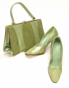 60 S Purse And Shoe Set