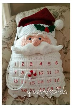 Santa Countdown Pillow This is a for a PDF file, not a finished item. A fun & unique countdown pillow the whole family can enjoy. Crochet Christmas Decorations, Crochet Ornaments, Christmas Crochet Patterns, Holiday Crochet, Crochet Crafts, Crochet Projects, Christmas Crafts, Crochet Ideas, Christmas Knitting