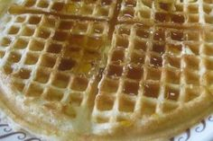 What's better than a heaping plate of Waffle House Waffles? Having that plate at home! Sin Gluten, Fluffy Waffles, Waffle House, Whats Good, Breakfast Recipes, Brunch, Cooking Recipes, Plates, Eat