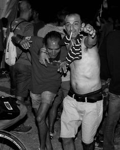 #believeinfilm #filmphotography #blackandwhite #streetphotography #ishootfilm #analog #nofilters #35mm  #blackandwhitephoto #monochrome #filmisnotdead  #blackandwhitephotography #monochromatic #bnw #bnw_society #bnw_captures #streetphoto #streetlife #street_photo_club #beststreets