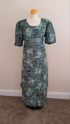 1970s or Early 80s Hawaiian Dress with Matching by PiecesBoutique