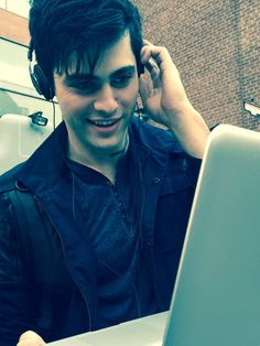 Matthew is so cute ♥ Is it a rune on his neck? • Matthew Daddario #ShadowhuntersTV #TMI