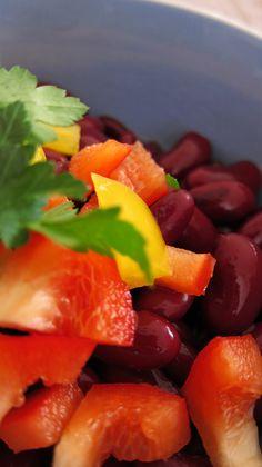 Bohnensalat Fruit Salad, Food, Fruit Salads, Meal, Essen, Hoods, Meals, Eten