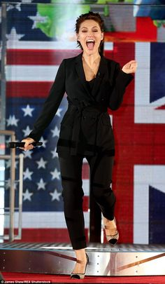 CBB presenter Emma has had the three month scan and a source told the paper: 'Emma and Matt are thrilled. It's something they've been talking about for some time' Emma Willis Pregnant, Emma Willis Hair, Matt Willis, Big Brother Uk, Celebrity Big Brother, Tv Presenters, Hair Ideas, Short Hair, Hair Style