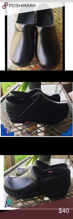 Sanita Original Danish Clogs SZ 6W Brand new never worn pair of Sanita Original Danish Clogs in 6W black!  If you know these Clogs, you know these is a GREAT deal!!!! Sanita Shoes Mules & Clogs