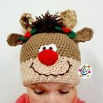 Ravelry: Holiday Pigtail Pals Beanie pattern by Heidi Yates Holiday Crochet, Crochet Home, Crochet For Kids, Crochet Crafts, Yarn Crafts, Crochet Baby, Crochet Projects, Crochet Designs, Crochet Patterns