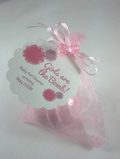 24 Bath Bomb Baby Shower Favors ozs each in Organza Gift Bag with Personalized Gift Tags - pinnerves Baby Shower Gift Bags, Personalized Baby Shower Favors, Unique Baby Shower, Personalized Gift Tags, Diy Party, Party Favors, Ideas Party, Gift Ideas, Tags Ideas