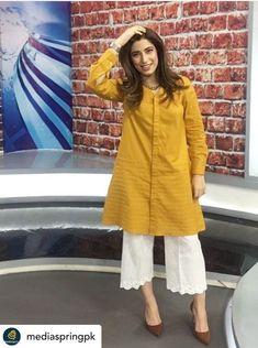 Simple Pakistani Dresses, Pakistani Fashion Casual, Pakistani Wedding Outfits, Pakistani Dress Design, Stylish Dress Designs, Stylish Dresses For Girls, Simple Dresses, Casual Dresses, Frock Fashion
