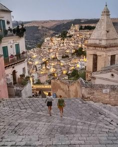 in Italy: Best of Italy Tour from Rome 5 Tage in Italien: Best of Italy Tour ab Rom Traveling To Italy Places To Travel, Places To See, Travel Destinations, Best Of Italy, Italy Tours, Future Travel, Travel Aesthetic, Dream Vacations, Italy Travel
