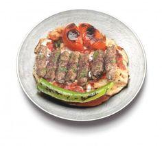 Yoğurtlu Manisa Kebabı Tarifi - Yoğurtlu Manisa Kebabı yapımı için gereken malzemeler ve yapılışı Yemek tarifleri -tr.com'da