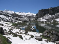 Vega de Ario hut hike, lake Ercina, Peaks of Europe mountains, Asturias.