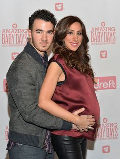 Kevin Jonas shows off wife Danielle Jonas's 9-month baby bump