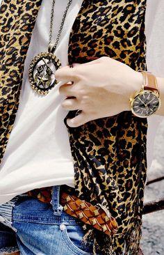 Chiffon Leopard Print Scarves,Long Leopard Print Scarves for Fashion Girls,Long Chiffon Scarves in 2013 Fall/Winter  #leopard #scarf #chiffon #girls www.loveitsomuch.com